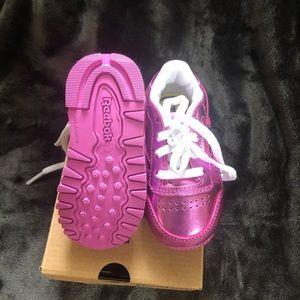 4c Reebok Pink Metallic Shoes